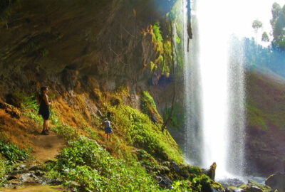 waterval wandeling oeganda